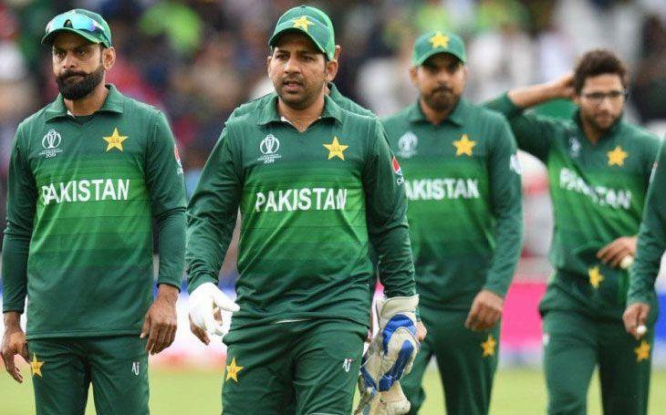 INDvsPAK: पाकिस्तानी टीम से बाहर चल रहे इस खिलाड़ी ने बनाया साथी खिलाड़ियों के फिटनेस का मजाक