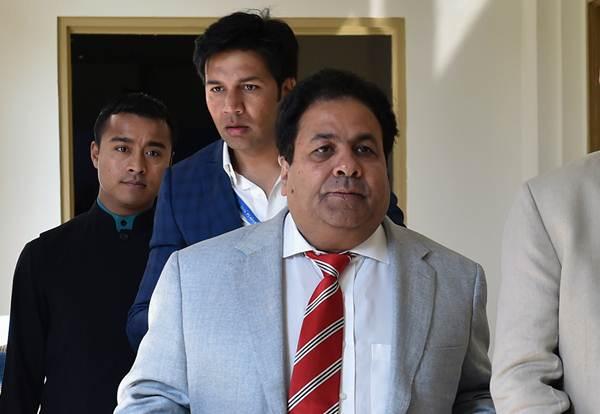 महेंद्र सिंह धोनी में अभी बहुत क्रिकेट बाकी है: आईपीएल चेयरमैन