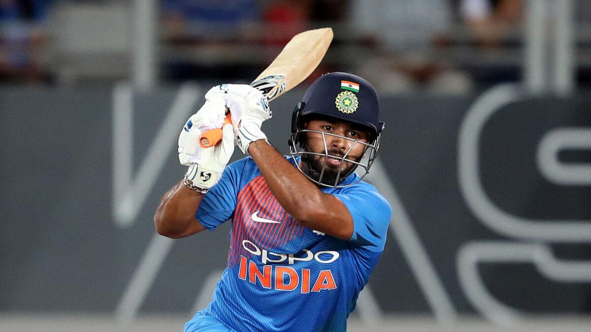 INDvsENG: भारत के खराब बल्लेबाजी के बाद इस खिलाड़ी के जगह ऋषभ पंत को शामिल करने की उठी मांग