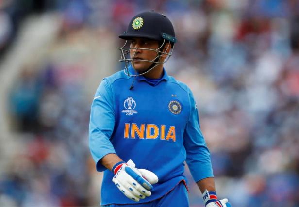CWC 2019: इंग्लैंड के खिलाफ मैच से पहले धोनी के आलोचकों पर भड़के विराट कोहली, बताया टीम में उनका रोल 2