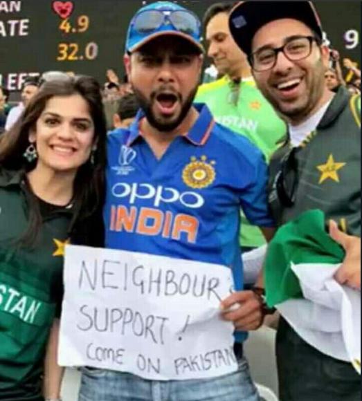 अफ्रीका के खिलाफ पाकिस्तान को सपोर्ट करने इंडिया की जर्सी में पहुंचा भारतीय, तो लोग कर रहे तारीफ़
