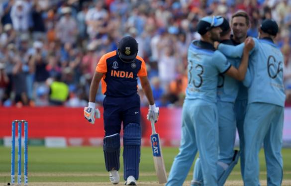 भारत की हार से तिलमिला रहे पूर्व पाकिस्तानी दिग्गज खिलाड़ी, लगा रहे भारतीय खिलाड़ियों पर गंभीर आरोप 10