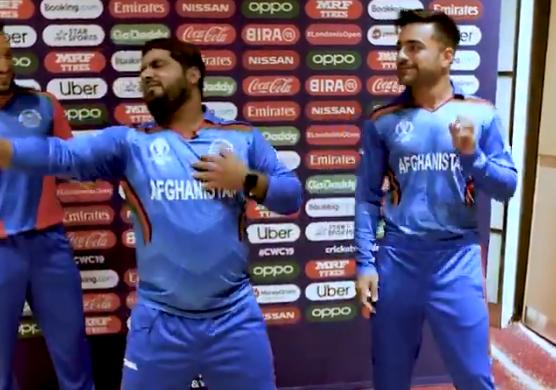 WATCH : मोहम्मद शहजाद ने राशिद खान के साथ मिलकर लगाया ठुमका, देखें वीडियो 1
