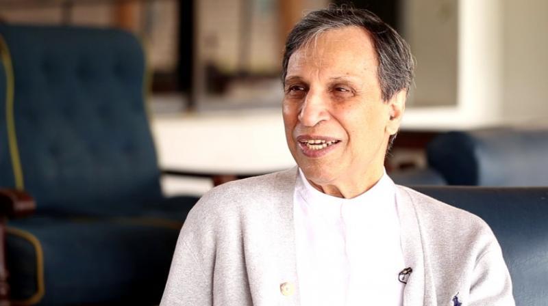 पाकिस्तान के पूर्व कप्तान आसिफ इकबाल भी हुए धोनी के फैन, बताया दुनिया का सबसे अच्छा इंसान