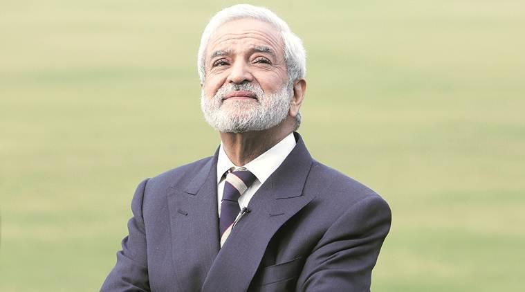 CWC19- भारत-पाक मैच से पहले महेंद्र सिंह धोनी के ग्लव्स पर बोले पीसीबी चीफ एहसान मनी