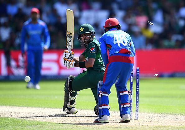 CWC19- अफगानिस्तान से जीत के बाद स्टेडियम में ही भिड़े दोनों देशों के फैन्स, मैदान पर चले लात घूंसे 2