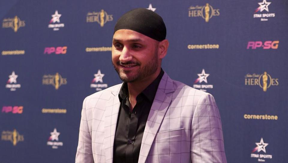 हरभजन सिंह ने कहा इंग्लिश समझ नहीं आती थी, फिर इस खिलाड़ी ने की मदद