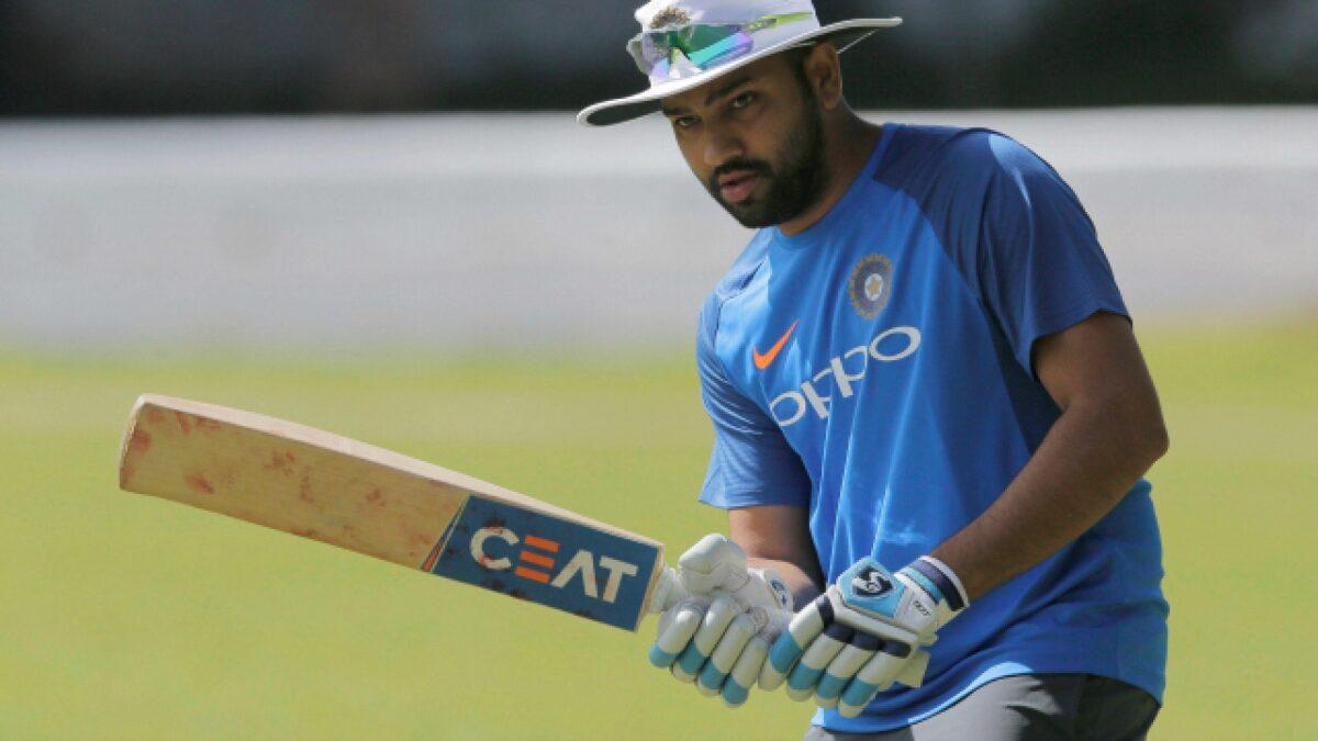 वेस्टइंडीज के खिलाफ टी20 सीरीज में 4 छक्के लगाते ही रोहित शर्मा बन जाएंगे छक्कों के शहंशाह