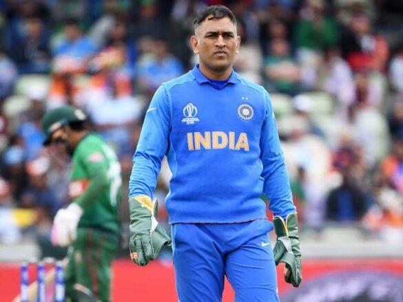 कपिल देव ने सेमीफाइनल से बाहर होने के बाद महेद्र सिंह धोनी के आलोचकों को दिया करारा जवाब 13