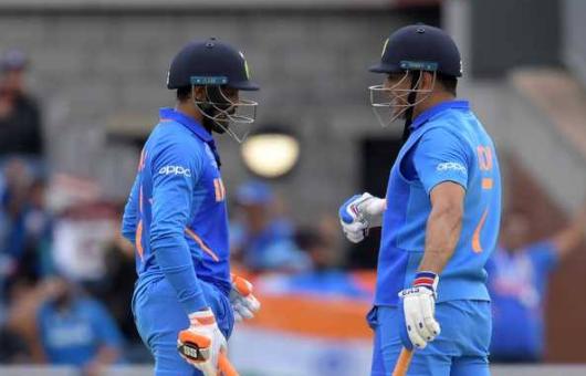भले ही हार गया हो भारत, लेकिन जडेजा-धोनी की साझेदारी ने बना डाला विश्व रिकॉर्ड 2