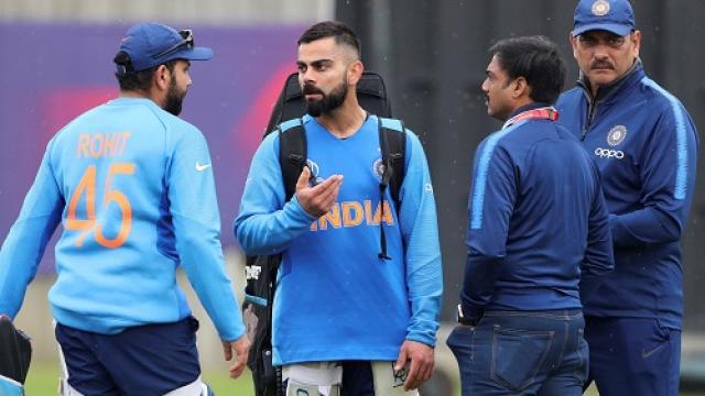 REPORTS : विराट कोहली की जगह रोहित शर्मा बन सकते हैं वनडे और टी-20 के नए कप्तान