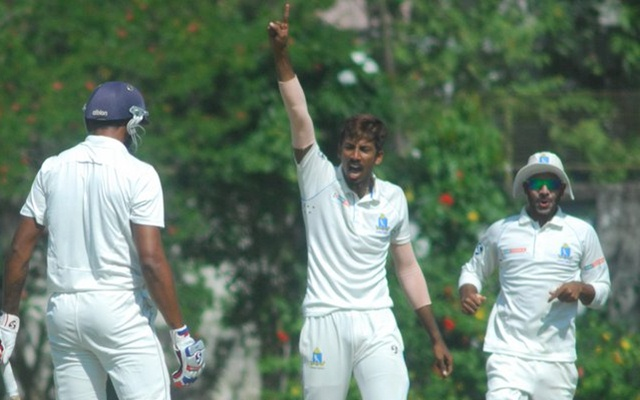 दुलीप ट्रॉफी19- ईशान पोरेल की जबरदस्त गेंदबाजी से पहले दिन इंडिया ब्लू मुश्किल में, इंडिया ग्रीन हुआ हावी 3