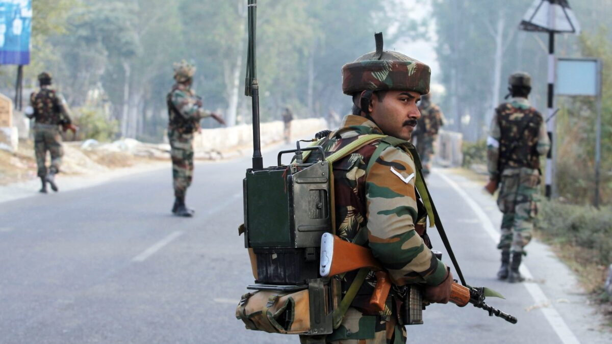 उबाल मारते जम्मू-कश्मीर मुद्दे पर क्या बोले आपके फेवरेट सेलिब्रेटी