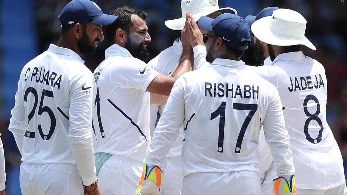 WIvIND, एंटिगा टेस्ट, दूसरा दिन: भारतीय गेंदबाजों ने विंडीज के टॉप ऑर्डर को भेजा पवेलियन, देखें स्कोरकार्ड