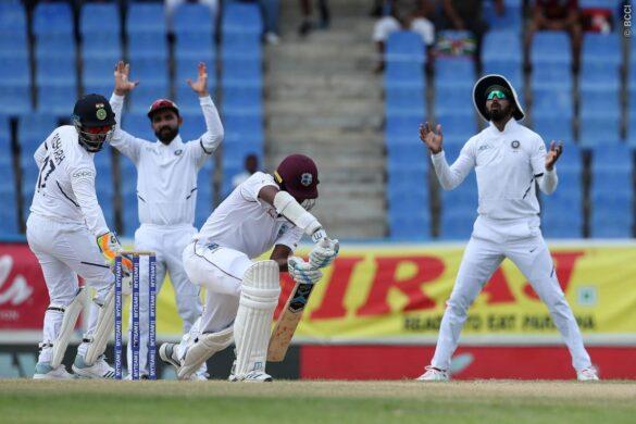 पहले टेस्ट मैच में वेस्टइंडीज के गेंदबाज मिगुइल कमिंस के साथ बल्लेबाजी के दौरान होते-होते बचा ये हादसा 21