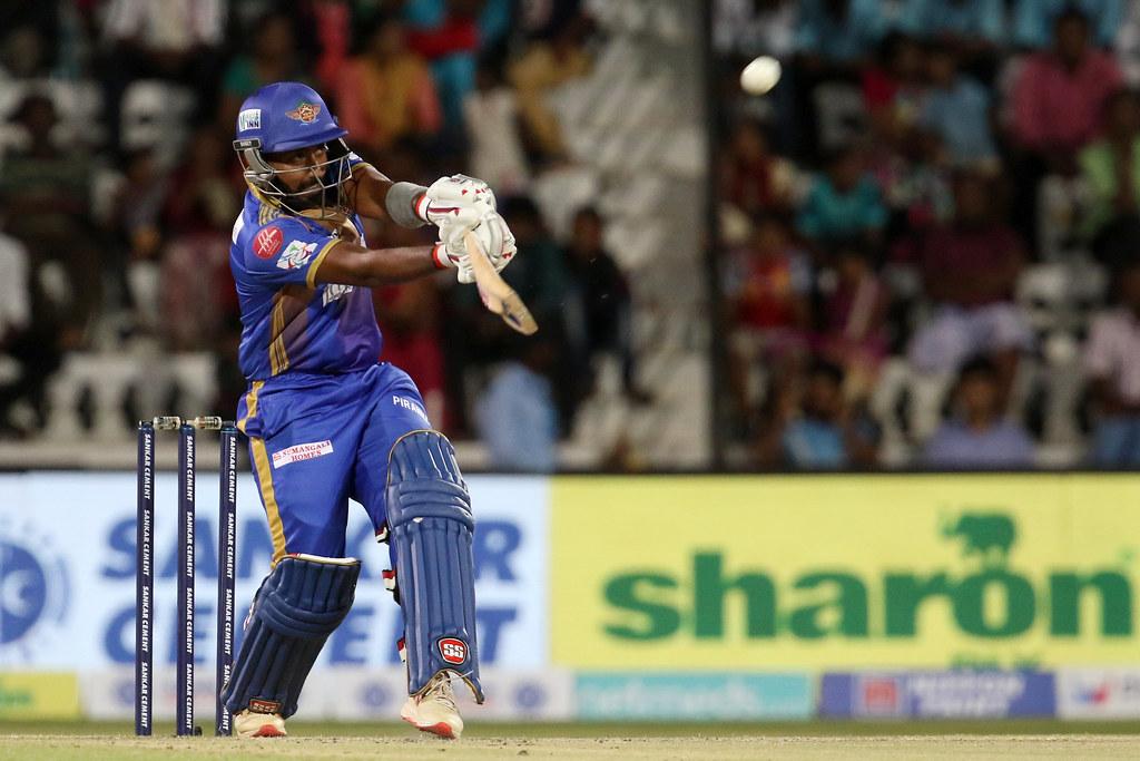 TNPL19- 99 रनों की पारी के बाद फिर मुरली विजय ने खेली 100 रनों की तूफानी पारी, पेश की टीम इंडिया की दावेदारी 3