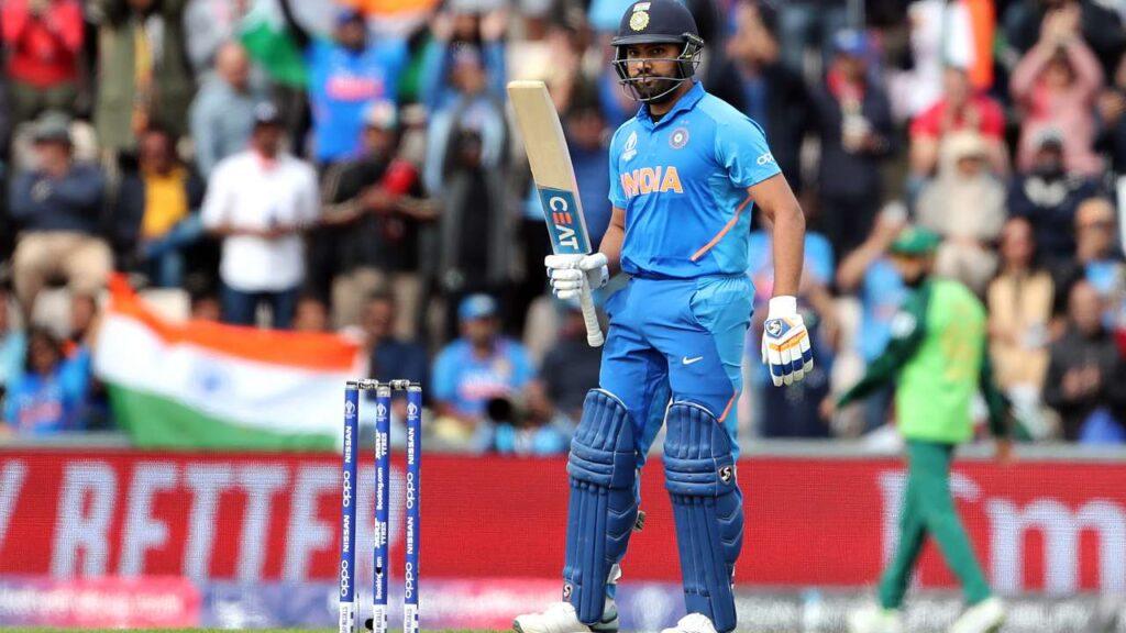IND vs WI: मैच से पहले एक हाथ में छतरी और एक में बल्ला पकड़कर आखिर क्या कर रहे हैं रोहित शर्मा? 1