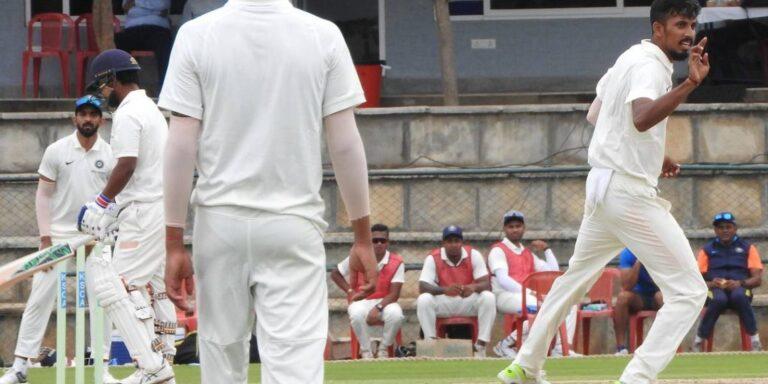 दुलीप ट्रॉफी19- ईशान पोरेल की जबरदस्त गेंदबाजी से पहले दिन इंडिया ब्लू मुश्किल में, इंडिया ग्रीन हुआ हावी