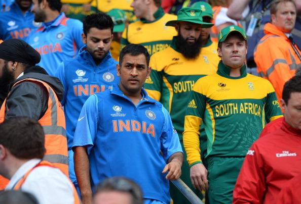 5 विकेटकीपर बल्लेबाज जिन्होंने गेंदबाजी करते हुए लिए विकेट, सूची में दो भारतीयों के नाम शामिल