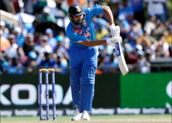 भारत बनाम वेस्टइंडीज: रोहित शर्मा ने टी 20 में सर्वाधिक छक्के लगाने का क्रिस गेल का रिकॉर्ड तोड़ा 1