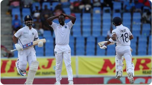 WATCH: मैच के दौरान विराट कोहली ने की इस वेस्टइंडीज गेंदबाज के गेंदबाजी एक्शन की शिकायत 1