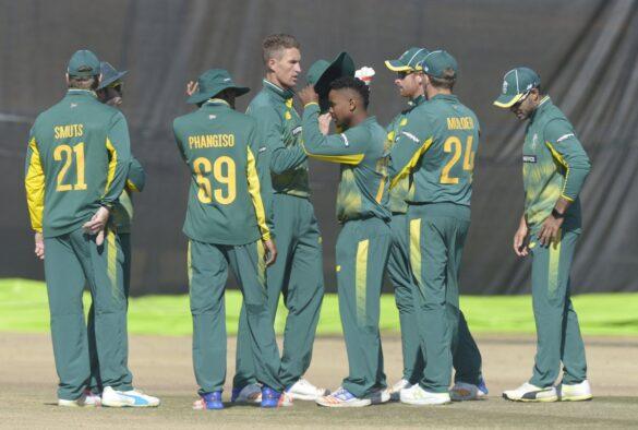 भारत दौरे के लिए साउथ अफ्रीका ने किया टीम की घोषणा, कोचिंग स्टाफ समेत नये खिलाड़ियों को मौका 22