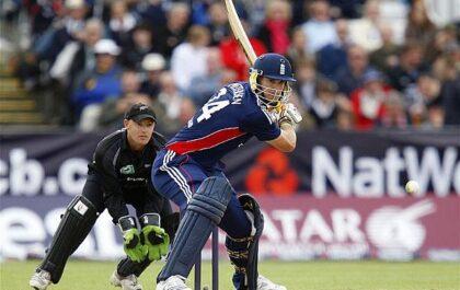 10 बल्लेबाज और उनके मजाकिया बल्लेबाजी स्टांस, दिग्गज खिलाड़ी भी लिस्ट में शामिल 1