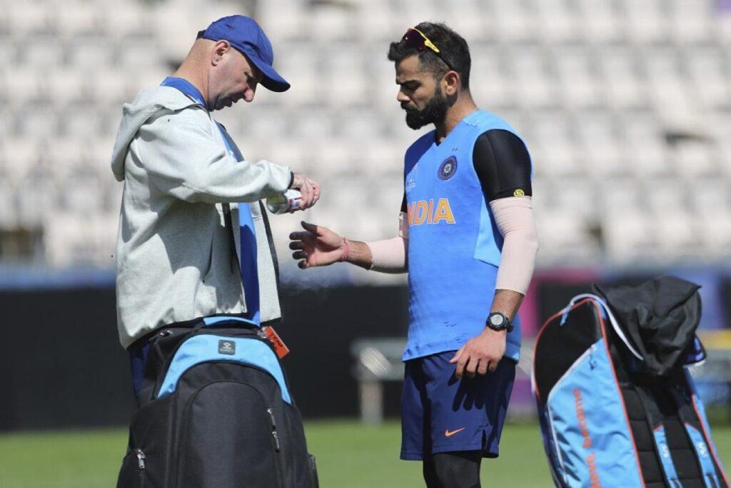 दिल्ली कैपिटल्स से जुड़े भारतीय क्रिकेट टीम के पूर्व फिजियो पैट्रिक फरहार्ट 1