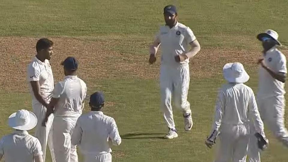 शुभमन गिल के दोहरे शतक के बाद शहबाज नदीम ने की घातक गेंदबाजी, फिर भी वेस्टइंडीज की हुई तारीफ़ 1
