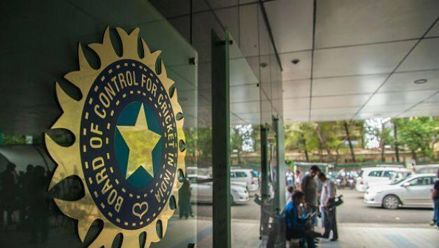 आईसीसी ने लिया बड़ा फैसला, बीसीसीआई की मुश्किलें बढ़ी, धोनी के शहर से छिन गया दूसरा टेस्ट