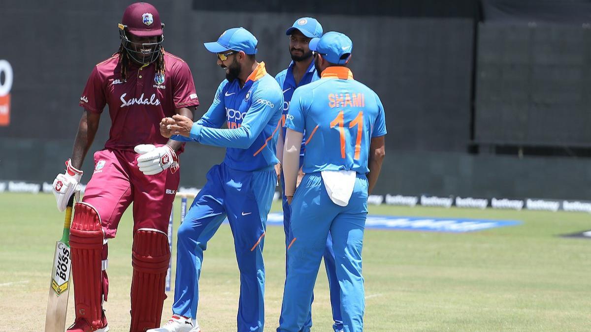 सिर्फ 4 विकेट लेते ही ऐसा करने वाले पहले भारतीय खिलाड़ी होंगे कुलदीप यादव, शमी को छोड़ेंगे पीछे 2