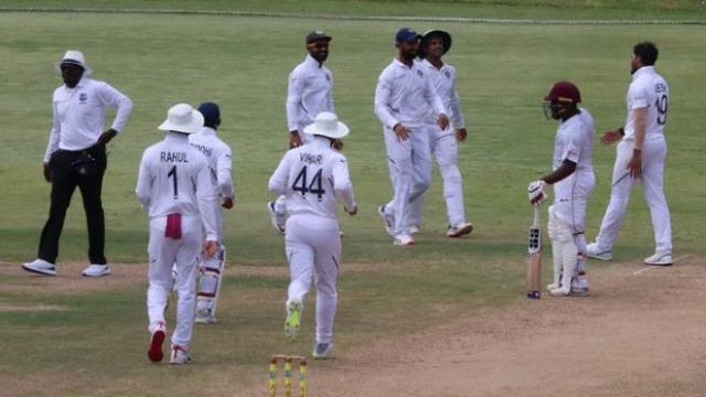 वेस्टइंडीज के खिलाफ रविंद्र जडेजा टेस्ट मैच में 8 विकेट लेते ही रच देंगे यह इतिहास 2