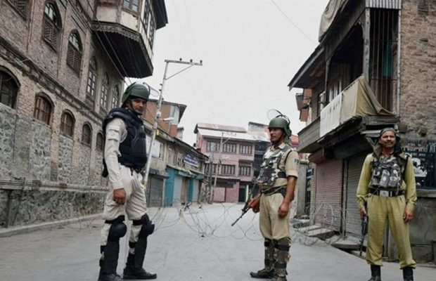 महेंद्र सिंह धोनी के सामने कश्मीर में लगा बूम-बूम अफरीदी का नारा, कुछ ऐसा था माही का रिएक्शन 2