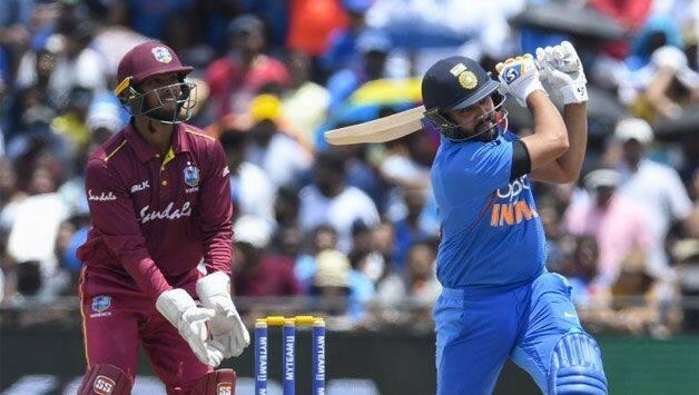 भारत बनाम वेस्टइंडीज: रोहित शर्मा ने टी 20 में सर्वाधिक छक्के लगाने का क्रिस गेल का रिकॉर्ड तोड़ा