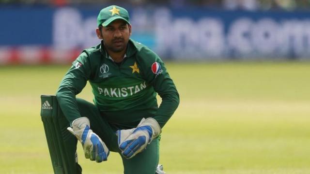 श्रीलंका से टी 20 सीरीज हारने के बाद पाकिस्तान के पूर्व कप्तान ने सरफराज को आराम करने की दी सलाह
