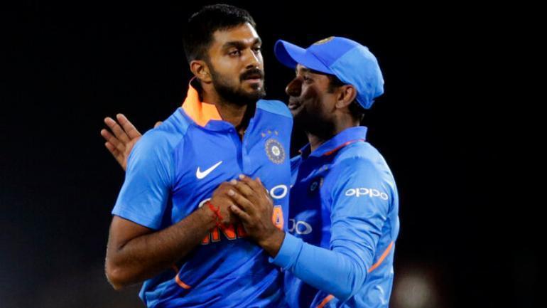 दक्षिण अफ्रीका ए के खिलाफ सीरीज से बाहर हुए विजय शंकर, इस भारतीय दिग्गज को मिली जगह 1