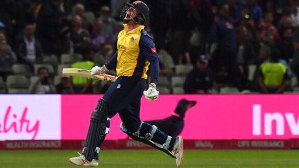 इंग्लैंड में खेले जा रहे विटालिटी टी20 ब्लास्ट के खिताबी मुकाबले में एसेक्स की रोमांचक जीत, ऐसा रहा मैच का हाल 3