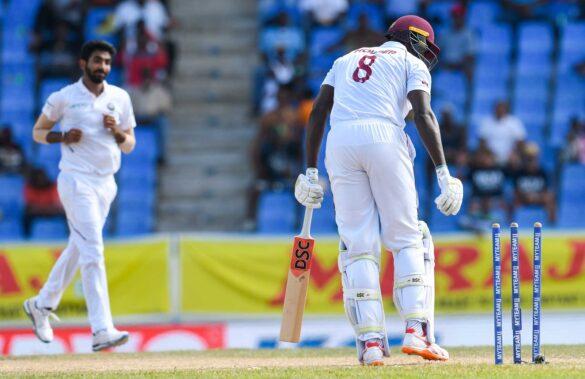 बल्लेबाजों के लिए खतरा माने जाने वाले इस गेंदबाज का गेंदबाजी एक्शन पाया गया संदेहास्पद, लग सकता है बैन! 23