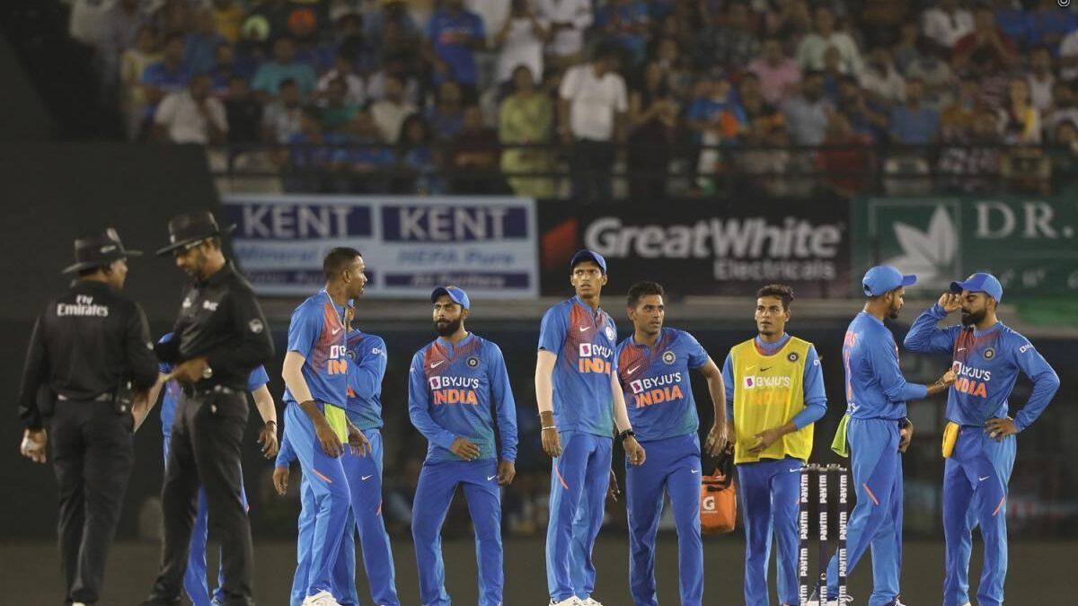 वीवीएस लक्ष्मण ने दूसरे टी-20 में भारत की जीत के बाद इन दो गेंदबाजों की जमकर तारीफ की