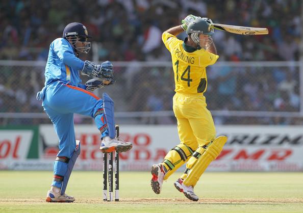 महेंद्र सिंह धोनी या रिकी पोंटिग, कौन है बेहतर वनडे कप्तान? माइक हसी ने दिया जवाब 1