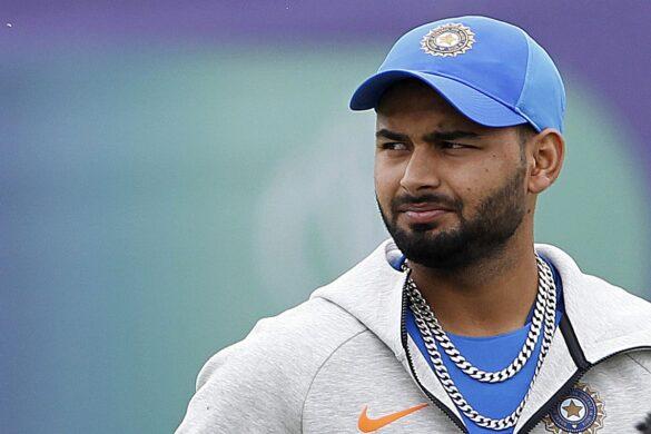 ऋषभ पंत को किया गया कोलकाता टेस्ट से रिलीज, यह युवा विकेटकीपर लेगा टीम में उनका स्थान 12