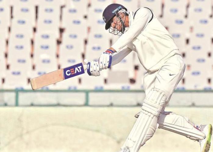 IND A vs SA A: शार्दुल ठाकुर की गेंदबाजी और शुभमन गिल के अर्धशतक से मजबूत स्थिति में इंडिया ए