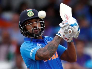 साउथ अफ्रीका ए के खिलाफ वनडे मैच के दौरान हुआ दर्दनाक हादसा, शिखर धवन के गर्दन पर लगी गेंद