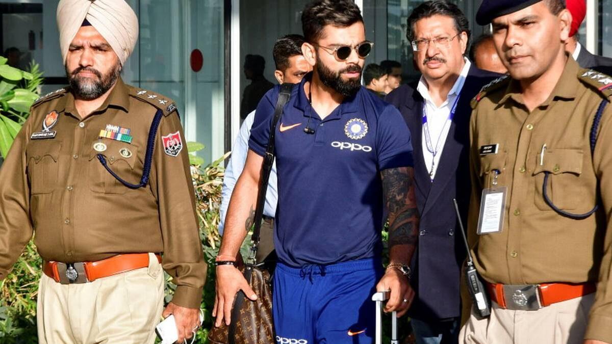 IND vs SA: बीसीसीआई की वजह से चंडीगढ़ में विराट कोहली और टीम इंडिया को जान का खतरा, पुलिस ने सुरक्षा देने से किया मना