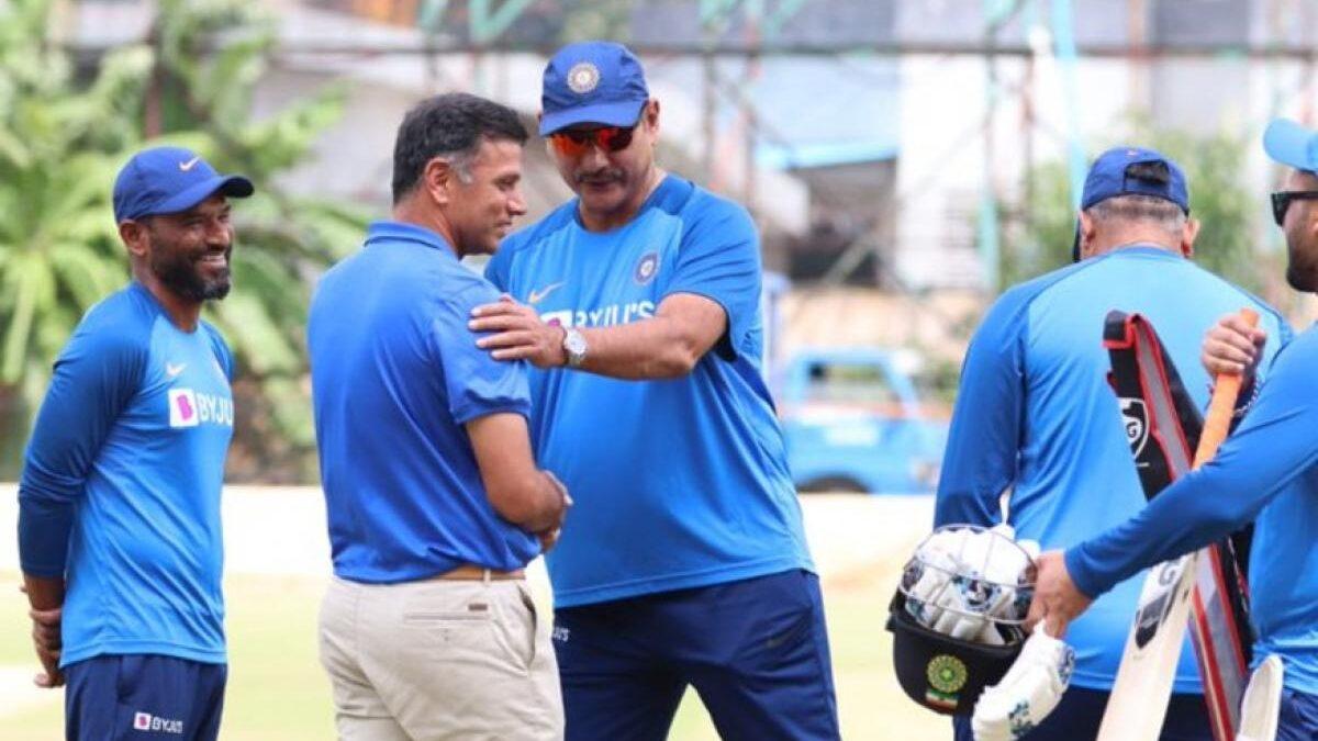 रवि शास्त्री ने बताया तीसरे टी-20 से पहले क्यों उनसे मिलने पहुंचे थे राहुल द्रविड़