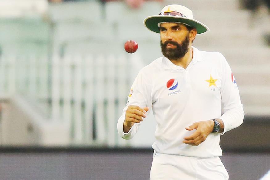 पाकिस्तान के मुख्य कोच और मुख्य चयनकर्ता बनाये जाने के बाद सोशल मीडिया पर ट्रोल हो रहे मिस्बाह उल हक