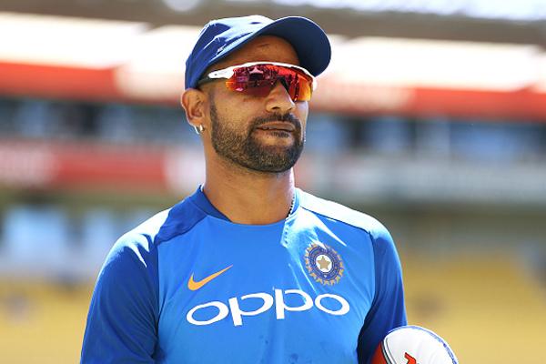 शिखर धवन की जगह टी-20 विश्व कप में ये खिलाड़ी हो सकता है रोहित शर्मा का नया जोड़ीदार, शर्मसार करने वाले हैं धवन के आंकड़े 3