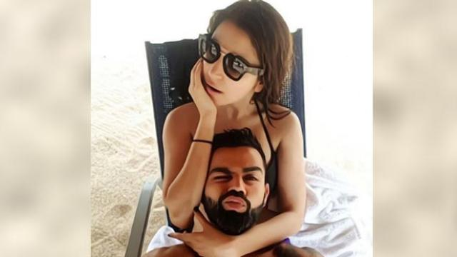 विराट कोहली ने पत्नी अनुष्का के साथ शेयर की रोमांटिक तस्वीरें, लोगों ने भारत की इकॉनमी से जोड़ा