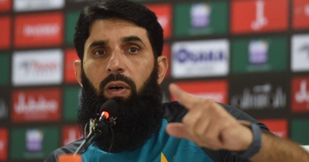 मिस्बाह उल हक ने श्रीलंका के खिलाफ सीरीज हार की जिम्मेदारी ली लेकिन इन पर कसा तंज 3