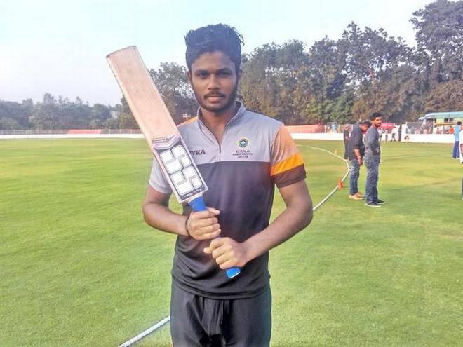 विजय हजारे ट्रॉफी: 6 6 6 6 6... और 4 4 4 4 4... की मदद से संजू सैमसन ने खेली तूफानी पारी टूटने से बचा रोहित शर्मा का विश्व रिकॉर्ड 2